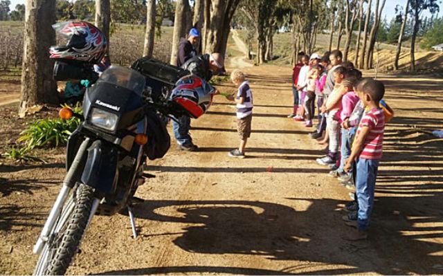 Ceres policeman gets karate kids reading